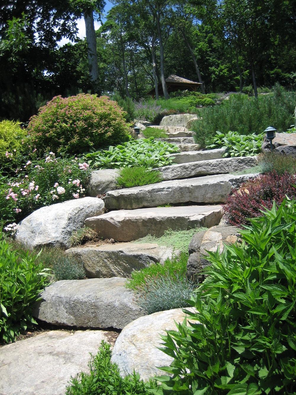 bkla studio - natural stone walkway