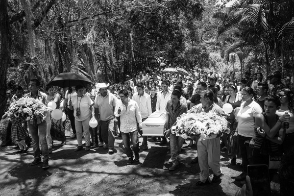 Alexis Aubin - Yorman Gonzalez funerals. During the first peace agreements signature ceremony the 6 years old boy found an abandoned grenade. He succumbed to the injuries caused by the explosion shortly after. Algecira, Huila, Colombia - September 29th 2016