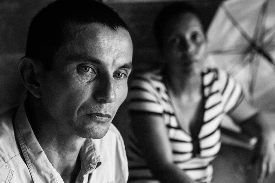 Alexis Aubin - Oscar Antonio Lazaro Camargo, a survivor, with his wife Olg Lucia Agudelo Verono at a meeting with Jose Nicolas Petro Fuerte, also a mine survivor and president of the Antipersonnel Mines Victims Association Cordoba (AVIMAC). Monte Libano, Cordoba, Colombia – June 12th 2017