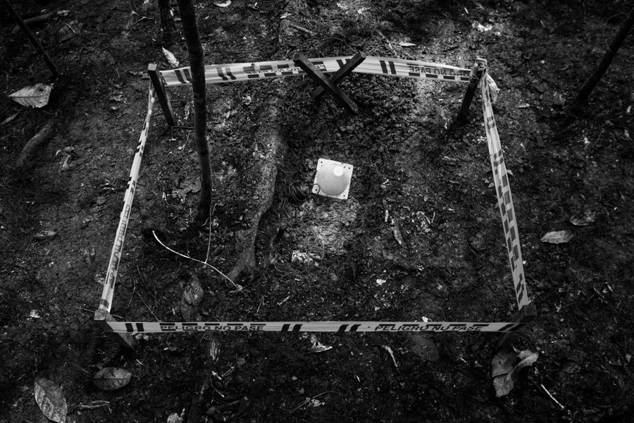 Alexis Aubin - Security Zone establishes around an antipersonnel mine following its discovery. June 10th, 2019- La Rosa, Putumayo, Colombia