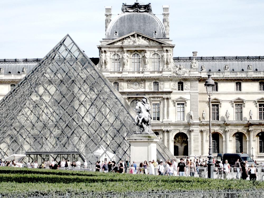 Lyla Feinsod - Paris, France - Le Louvre