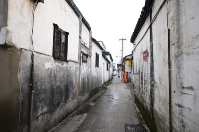Amryn Soldier: Weddings, Elopements, and Portrait Photographer - Suzhou- Old City