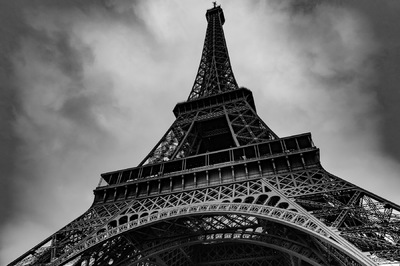 Sean Pinto photoGRAPHY - Eiffel Tower on a stormy day.