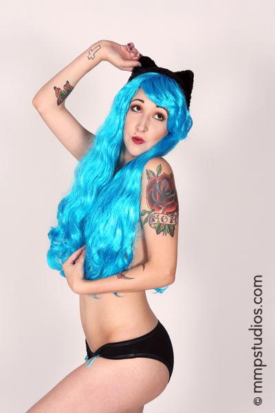 Kat Lotus -