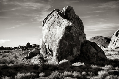 Nieslony Photography - Movie Road Monolith