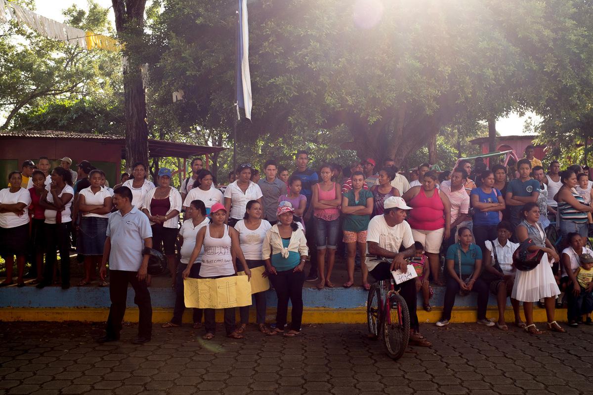 Adrienne Surprenant - Manifestation qui a eu lieu de Tolesmayda à la mairie de Buenos Aires, département de Rivas. Environ 400 personnes étaient présentes. Des gens de communautés voisines sont aussi venus en appui.