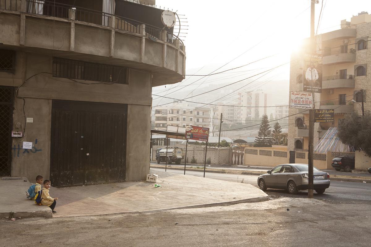 Adrienne Surprenant - Le Liban accueille plus de 1,2 millions de réfugiés syriens. Lors de la rentrée scolaire de cette année, 200 000 enfants syriens devraient pouvoir rejoindre les bancs d'écoles, aux côtés des jeunes libanais.