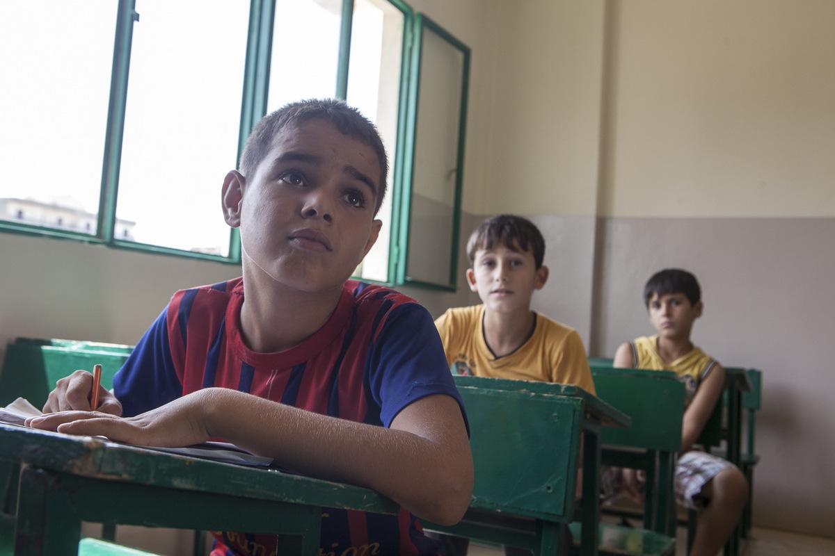 Adrienne Surprenant - Mohammad veut devenir ingénieur civil. Pour se scolariser à Tuyoor el-Amal, les élèves payent chacun 40$US. Sont exemptés les orphelins, et certains enfants de familles trop nombreuses, où dont le père est invalide.