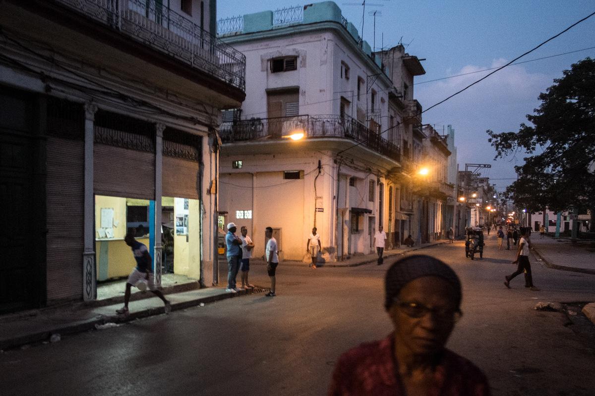 Adrienne Surprenant - La population de la Havane est denviron 2 millions dhabitants, sur les 11 millions peuplant lîle de Cuba.