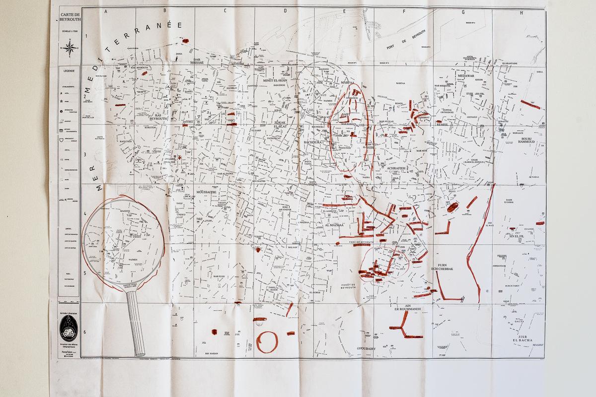 Adrienne Surprenant - Carte des lieux que Rose connaît à Beyrouth, où elle vit et travaille depuis 16 ans. Les embassades sont marquées de rouge, car elle y passe souvent, dans le cadre de son travail avec le syndicat des travailleuses domestiques.