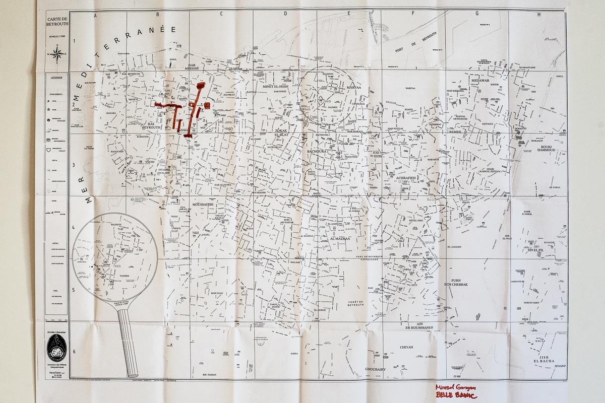 Adrienne Surprenant - Carte des lieux que Mirasol connaît à Beyrouth. Son premier emploi ne lui laissait aucune liberté, et son second, pas le temps de découvrir la ville. Elle reste apeurée par le reste de Beyrouth, et ses rues inconnues.
