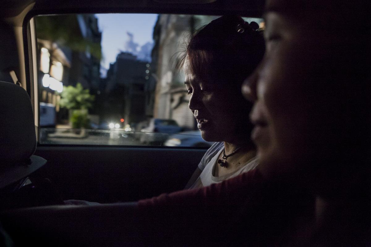 Adrienne Surprenant - Libre daller et venir, après avoir été mariée à un Libanais, Amy prends un taxi pour rentrer chez elle.