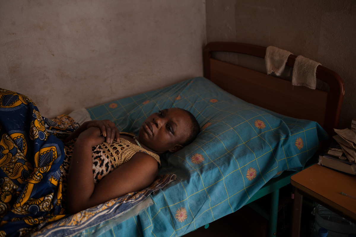 Adrienne Surprenant - Fish seller Alice Estelle Doumou, 42, saw her feet and arms suddenly curl up six months ago. She remained paralysed in this frontal position for a reason that remains unknown, despite the three million west african franc ($5376) spent on tests. In a bed at Douala Central Hospital, she developed two bedsores. Unable to treat them, the hospital sent her home. With the support of her family, she went to Baleveng Wound Hospital, a four-hour drive from Douala. In four months, her first two bedsores were almost healed. But two more appeared. I am overwhelmed, its a lot of pain, a lot of suffering. I am hoping the wounds will heal. I dont want any more wounds coming out, Alice says, with tears in her eyes. In the absence of a dynamic air mattress, which prevents bedsores, her case is hopeless according to one of the caregivers.