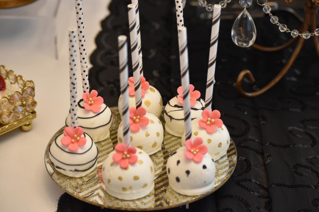 Simply Cakes - Kate Spade themed cake pops