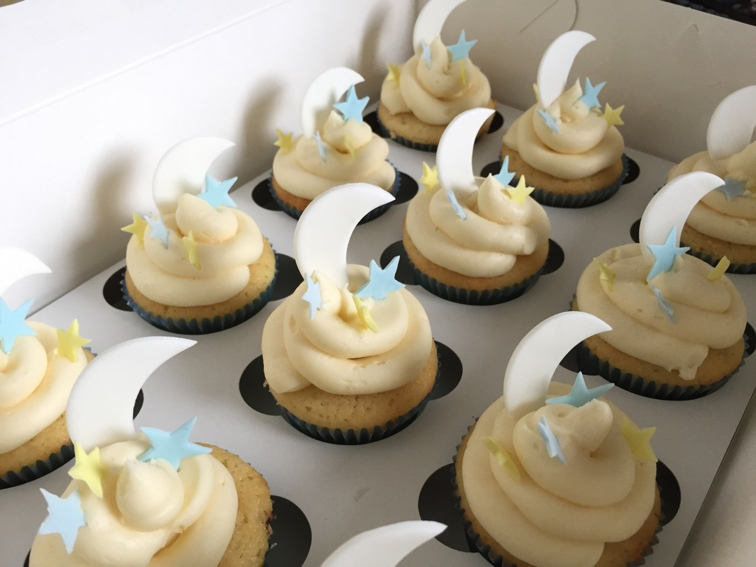 Simply Cakes - I love you to the moon and back themed baby shower! Vanilla cupcakes for a cupcake tower