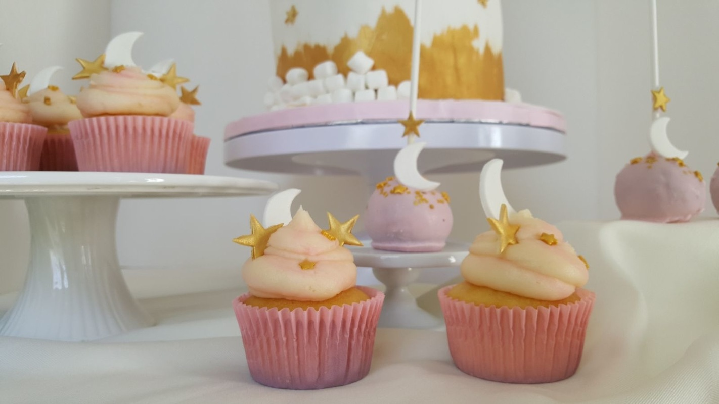 Simply Cakes - Twinkle Twinkle Little Star Cupcakes & Cake Pops