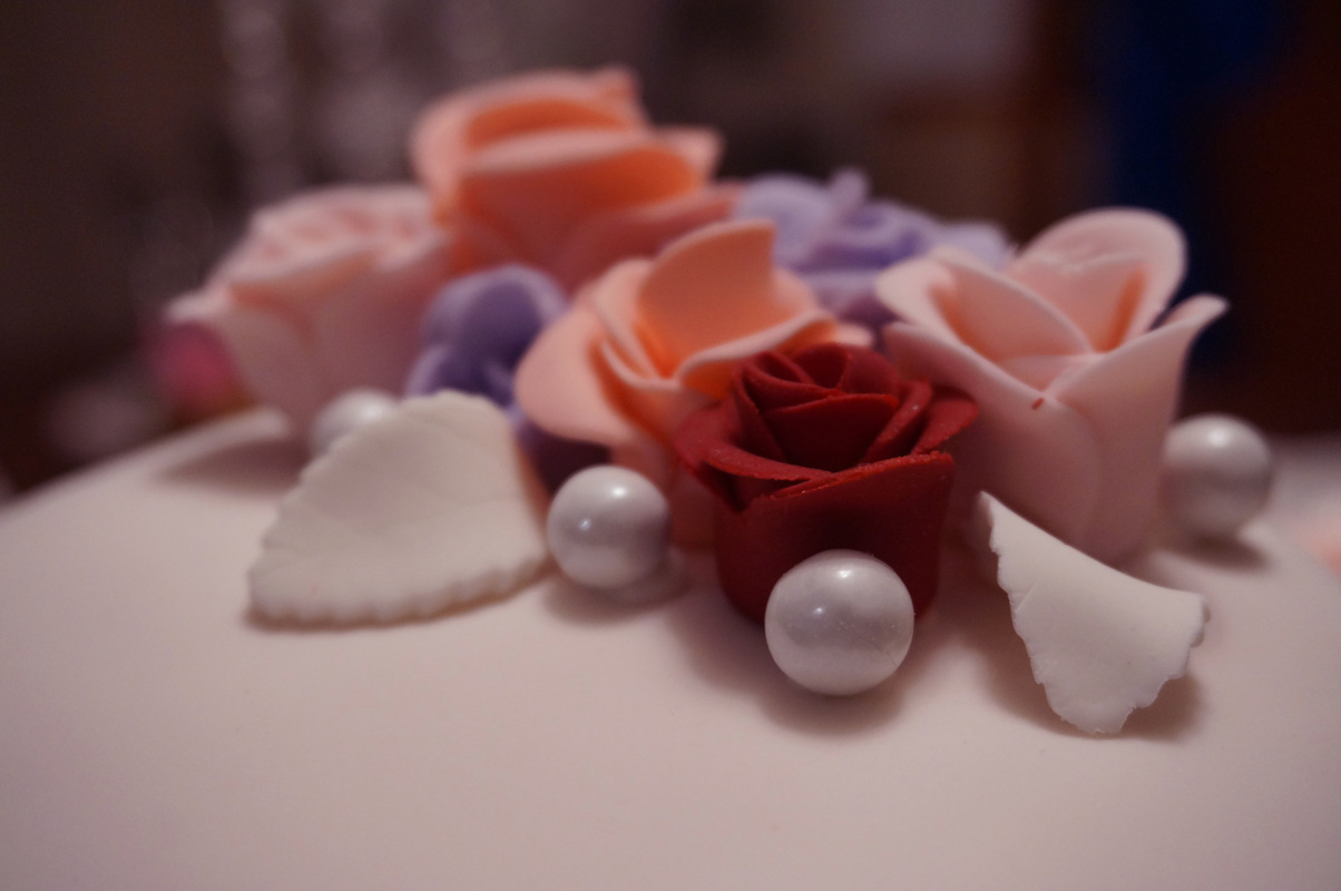 Simply Cakes - Detail shot of flower accents