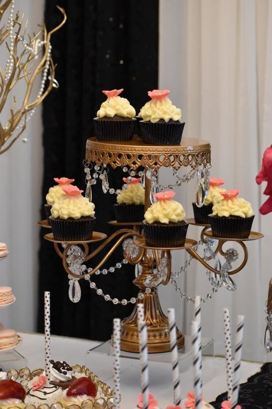 Simply Cakes - Kate Spade themed cupcakes