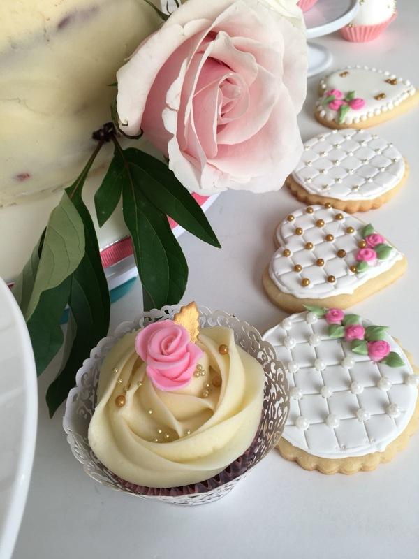Simply Cakes - Vintage Bridal Shower desserts