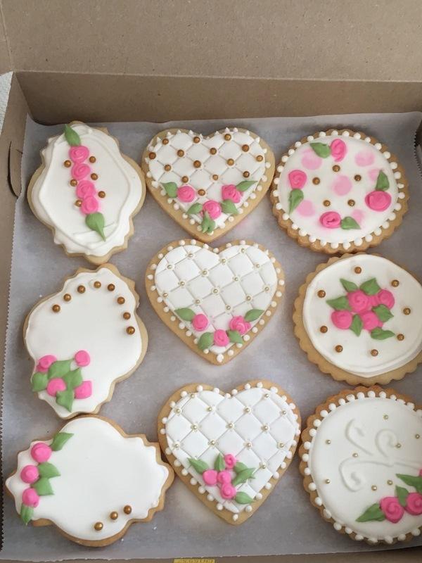Simply Cakes - Vintage Bridal Shower cookies