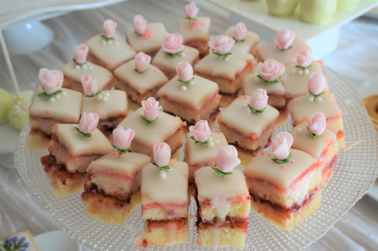 Simply Cakes - Petit fours with marzipan and flower accents