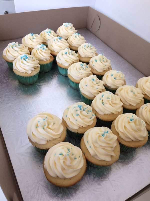 Simply Cakes - Cupcakes arranged in the #1!