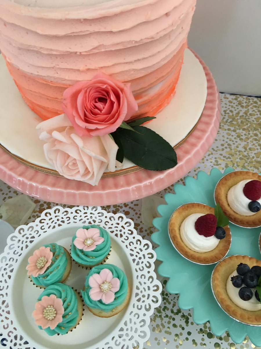 Simply Cakes - 2 tier cake with fruit tarts and cupcakes