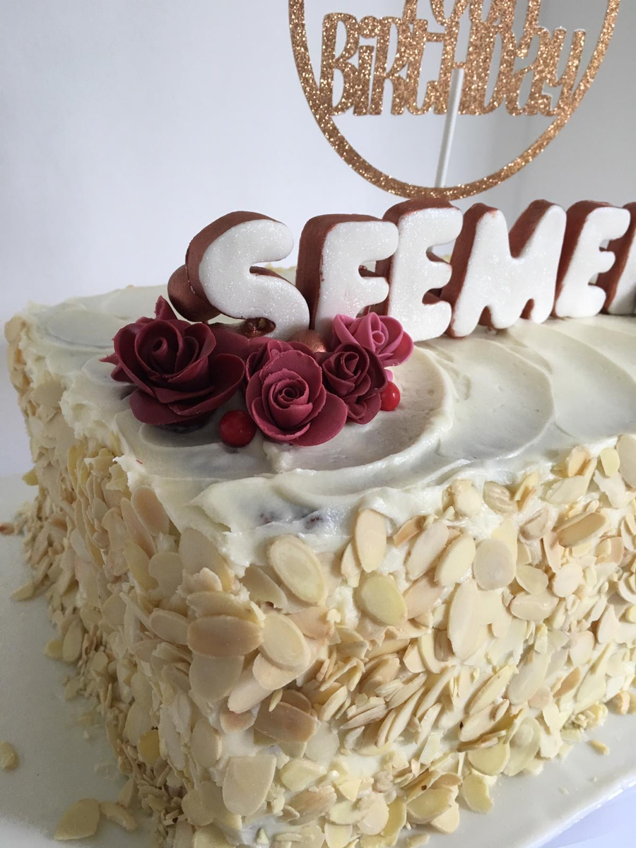 Simply Cakes - Slab cake with almonds and burgundy details