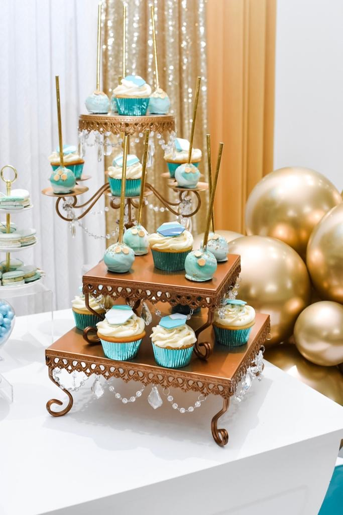 Simply Cakes - Cupcake towers with blue marbled details