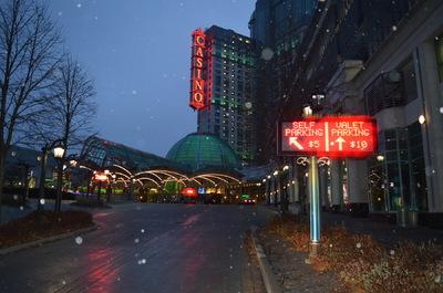 Damon Lum Photography - Outside Fallsview Casino, Niagara Falls.