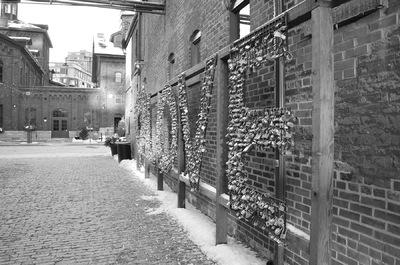 Damon Lum Photography - Locked For Love, Distillery District, Toronto