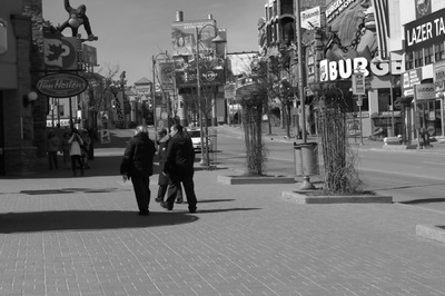 Damon Lum Photography - Clifton Hill, Niagara Falls