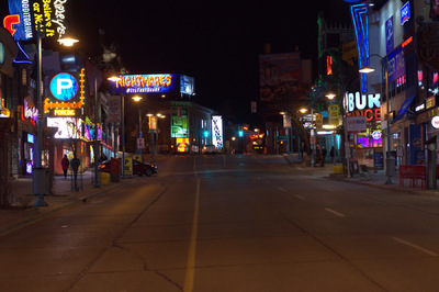 Damon Lum Photography - Thursday Night, Clifton Hill, Niagara Falls