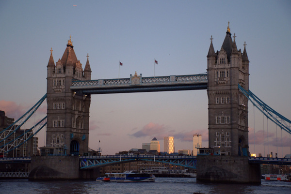 Damon Lum Photography - Limbo, Tower Bridge, London
