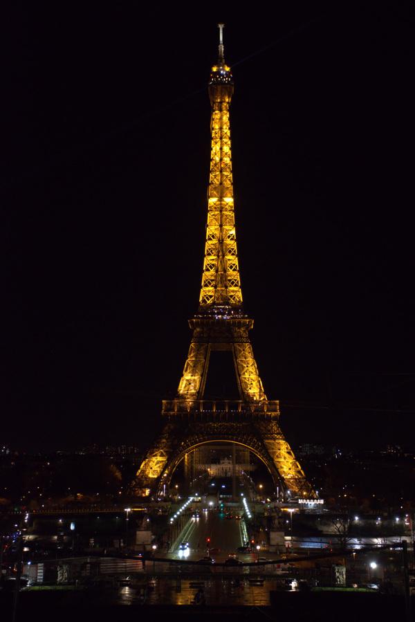 Damon Lum Photography - Late Night Snack, Paris