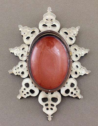 Hosanna Rubio Metals and Jewelry - Shadow Back detail