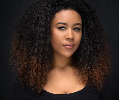 Emily Voss - Black