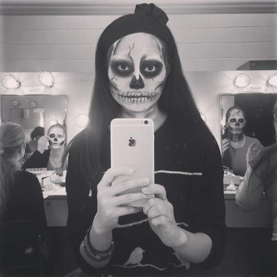 Ariel Wang - Skull makeup