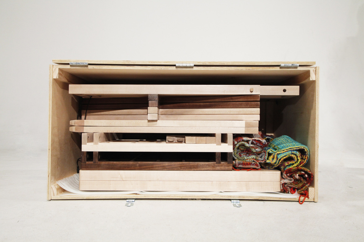 Daniela Guarin - Olim flat packs and is portable
